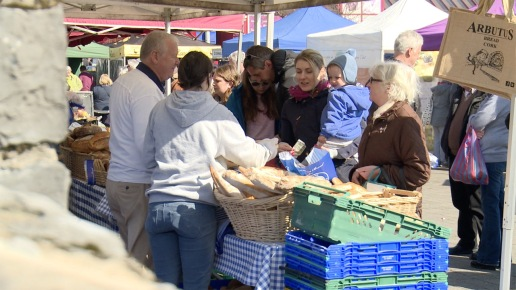 Freshly baked bread. Farmers' Market, every Saturday